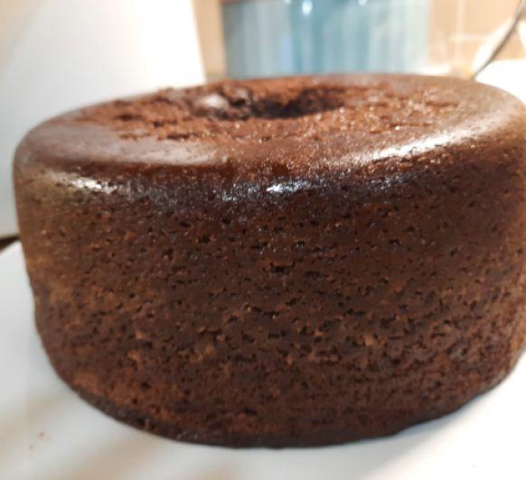 Bizcocho de chocolate tierno y jugoso